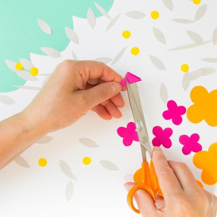 Tvoření - barevné květináče 2